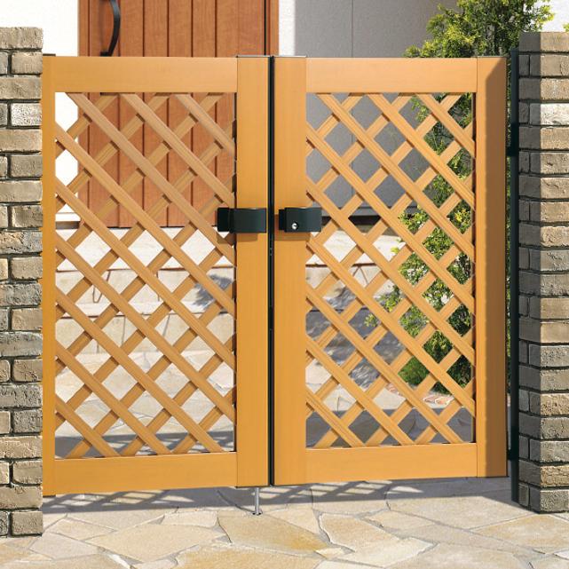 木粉入り樹脂門扉